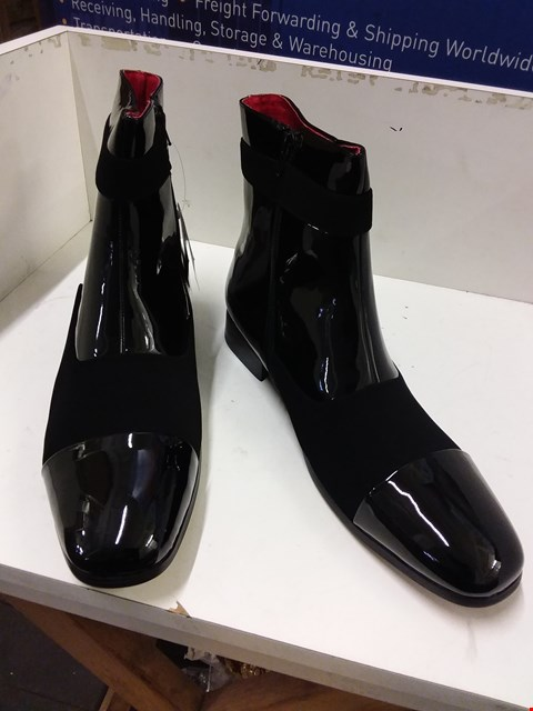 Lot 9036 BOXED ROSSELLINI JACKSON BOOTS - BLACK SIZE 12