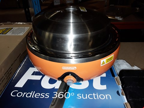 Lot 450 BOXED BBQ GRILL WITH THERMOSTAT RED