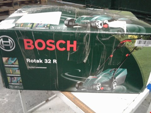 Lot 9501 BOSCH ROTAK 32R CORDED LAWNMOWER