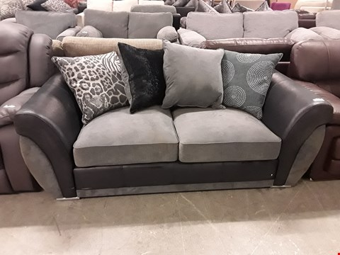 Lot 357 DESIGNER BLACK FAUX LEATHER AND GREY FABRIC 2 SEATER SOFA WITH SCATTER BACK CUSHIONS