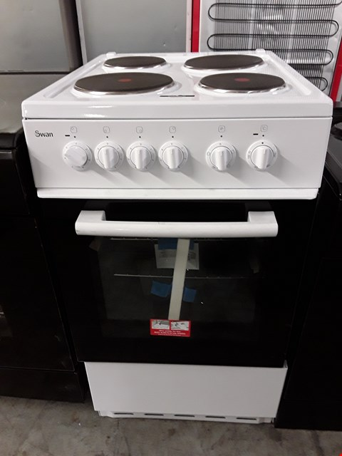 Lot 33 SWAN SX1011W 50CM SINGLE ELECTRIC COOKER RRP £409