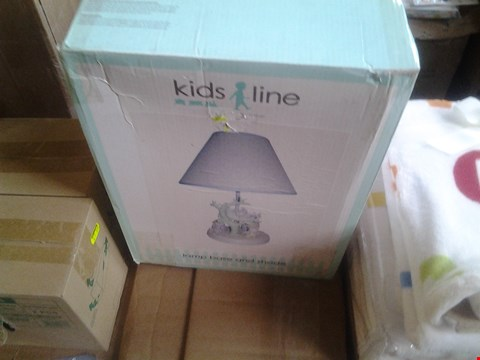 Lot 2084 BRAND NEW KIDSLINE 2X LAMP BASE AND SHADE RRP £59.9
