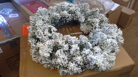 Lot 2525 60CM PRE-LIT FLOCKED EMPEROR WREATH RRP £51.00