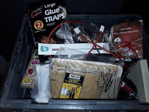 Lot 37 BOX OF ASSORTED ITEMS TO INCLUDE LARGE GLUE TRAPS, AIR BAG MOBILE PHONE BRACKET, KIT-OFF BUZZER BAR EXTENSION