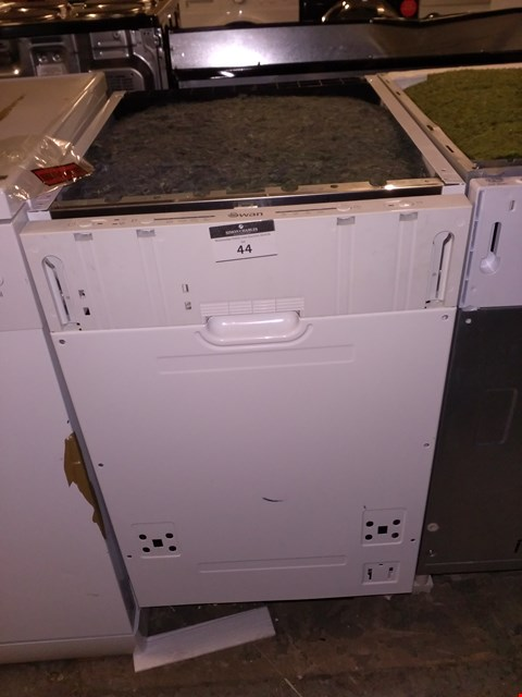 Lot 44 SWAN INTEGRATED DISH WASHER