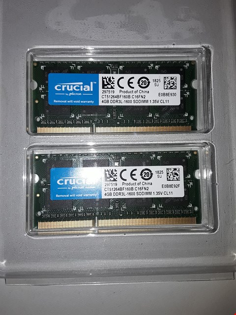Lot 505 Crucial CT2K16G4SFD8266 32 GB Kit (16 GB x 2)