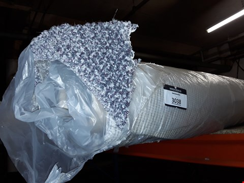 Lot 412 ROLL OF GREY/GREEN/WHITE CARPET APPROXIMATELY 5M X 1.22M