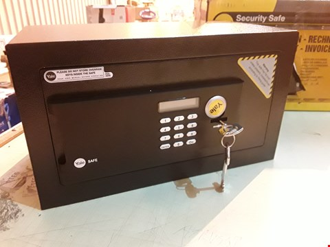 Lot 8054 YALE COMPACT SECURITY SAFE