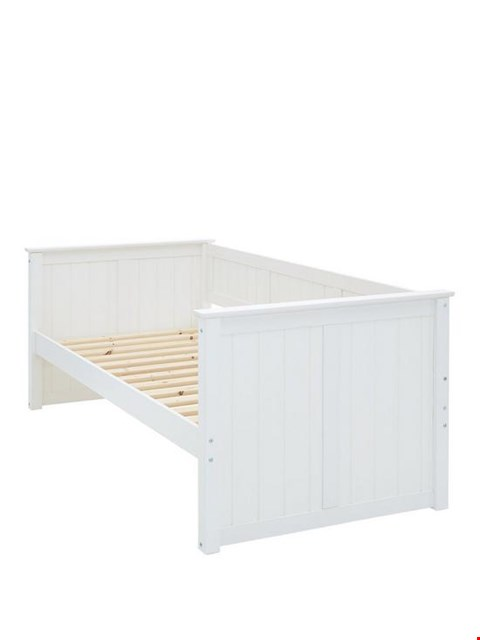 Lot 2080 BOXED GRADE 1 CLASSIC NOVARA DAY BED FRAME - WHITE (2 BOXES) RRP £199.99