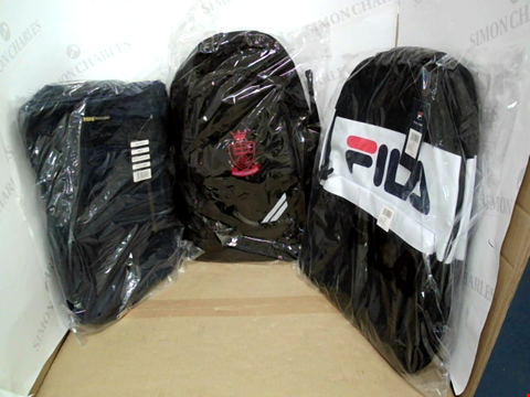 Lot 10725 LOT OF 3 ASSORTED DESIGNER BAGS TO INCLUDE MIG, FILA AND SCIENTIA UNESCAMUS