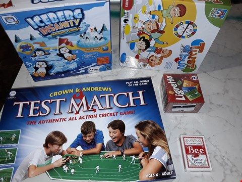 Lot 236 LOT OF APPROXIMATELY 5 ASSORTED TOY ITEMS TO INCLUDE CLUB SPECIAL PLAYING CARDS, LIGRETTO AND ICEBERG INSANITY