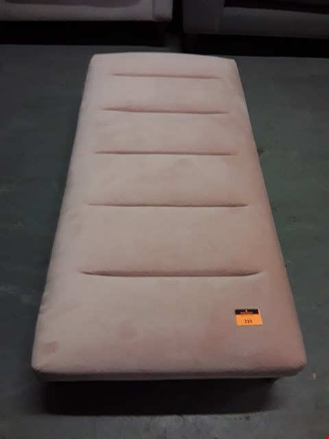 Lot 219 QUALITY BRITISH DESIGNER BLUSH PINK PLUSH VELVET RECTANGULAR FOOTSTOOL