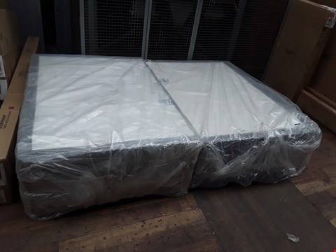 "Lot 318 BRAND NEW DESIGNER BAGGED 4'6"" FABRIC DIVAN BASE"