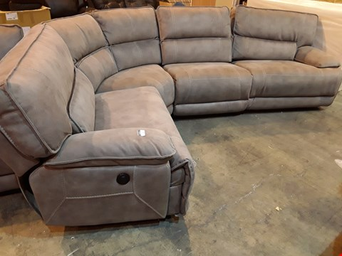 Lot 5 DESIGNER GREY MACAO FABRIC POWER RECLINING CORNER GROUP WITH CONTRASTING STITCHING