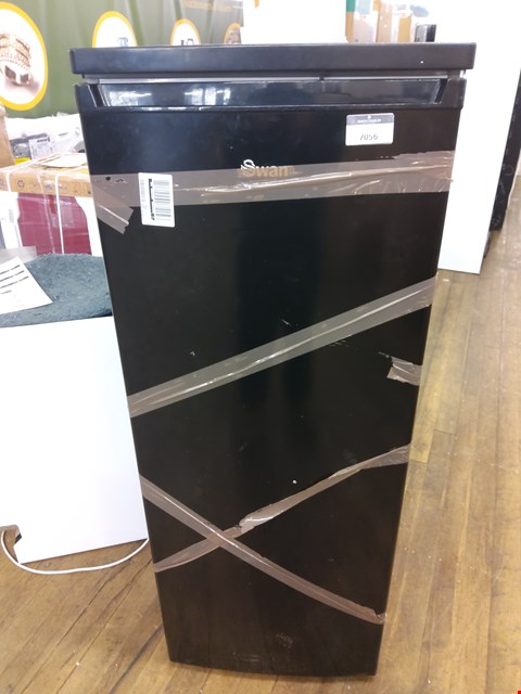 Lot 7056 SWAN BLACK TALL LARDER FRIDGE SR8140B RRP £179.99