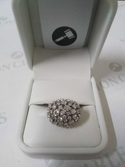 Lot 12 18CT WHITE GOLD DRESS RING SET WITH DIAMONDS WEIGHING +1.55CT RRP £3975.00