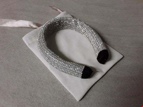 Lot 4172 CHUNKY DIAMANTE COVERED HEADBAND IN DUST BAG