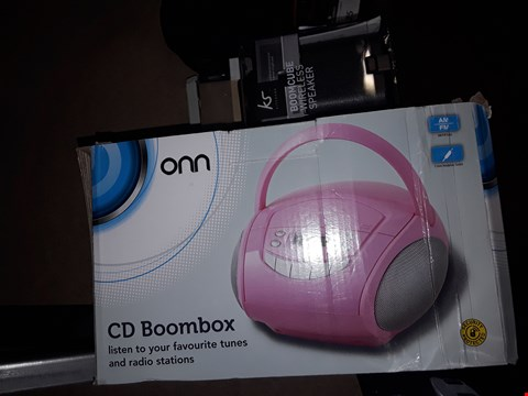 Lot 3523 BOXED PINK ONN CD BOOMBOX