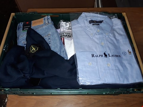 Lot 4731 LARGE CRATE OF ASSORTED DESIGNER CLOTHING ITEMS