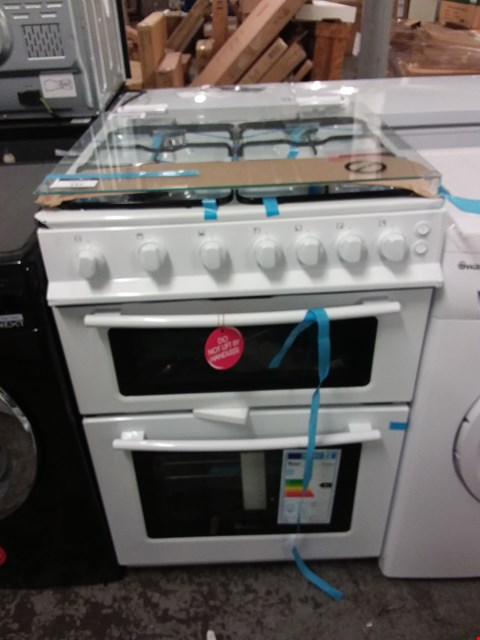 Lot 3135 SWAN SX15861W FREESTANDING GAS DOUBLE OVEN IN WHITE