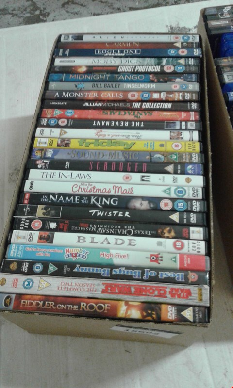 Lot 15695 A BOX OF ASSORTED DVDS TO INCLUDE FIDDLER ON THE ROOF DVD AND A TWISTER DVD