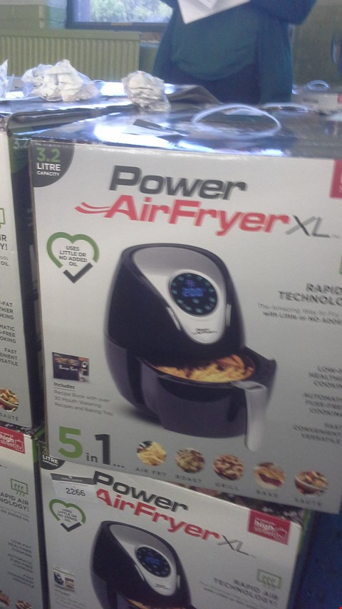 Lot 100 BOXED POWER AIRFRYER 3.2 LITRE RRP £99.99