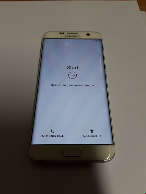 Lot 592 SAMSUNG GALAXY S7 EDGE 32GB MOBILE PHONE - WHITE