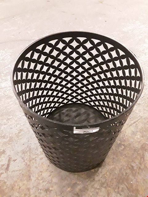 Lot 7005 DESIGNER BLACK METAL CIRCULAR STORAGE BASKET