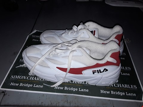 Lot 9042 FILA DESIGNER TRAINERS IN WHITE & RED UK SIZE 10