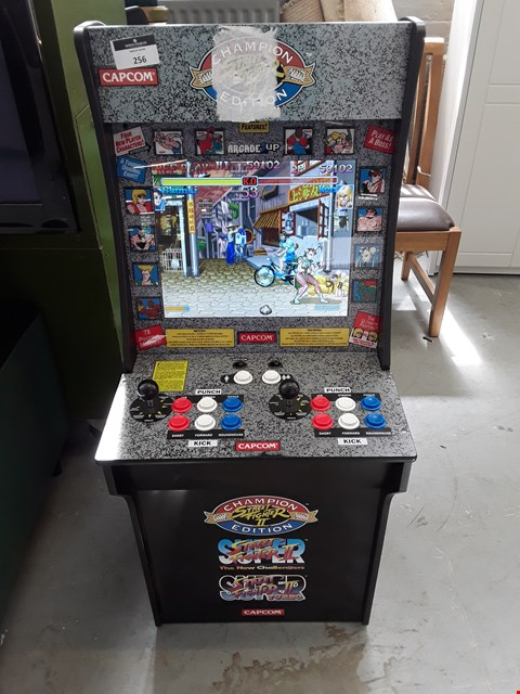 Lot 256 ARCADE 1 UP STREET FIGHTER 2 GAME RRP £349.99