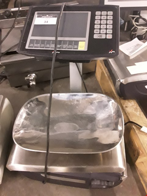 Lot 34 AVERY XM400 SCALES WITH PRINTER
