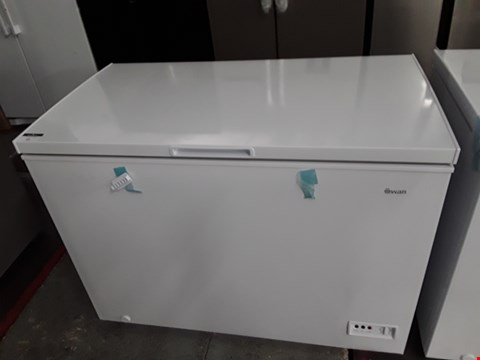 Lot 92 SWAN SR4180W WHITE 282 LITRE CHEST FREEZER  RRP £259.00