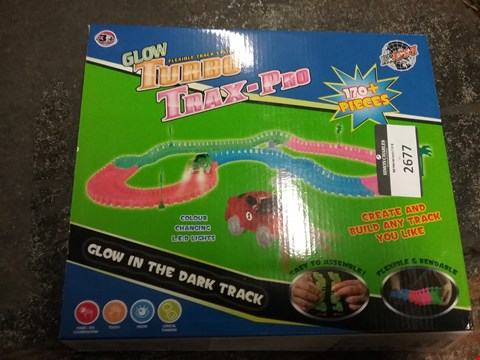 Lot 2677 A LOT OF 5 BOXED GLOW FLEXIBLE TURBO TRAX-PRO
