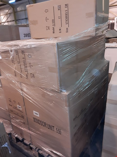 Lot 31 PALLET CONTAINING 8 BOXED 55CM WHITE GLOSS WINDSOR UNITS - E-550