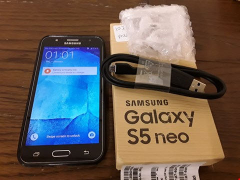 Lot 9132 BOXED SAMSUNG GALAXY S5 NEO 16GB IN BLACK WITH CASE