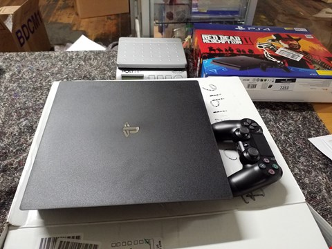 Lot 7254 BOXED PS4 PRO BUNDLE WITH PS4 CONTROLLER  RRP £460