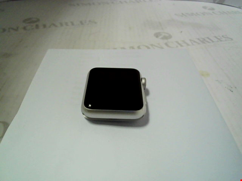 Lot 322 APPLE WATCH