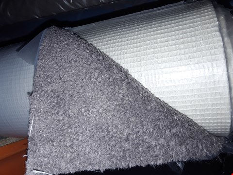 Lot 3000 ROLL OF CARPET REM BAND A COLOUR 2 CARPET, APPROXIMATELY 5X1.21 METERS - GREY