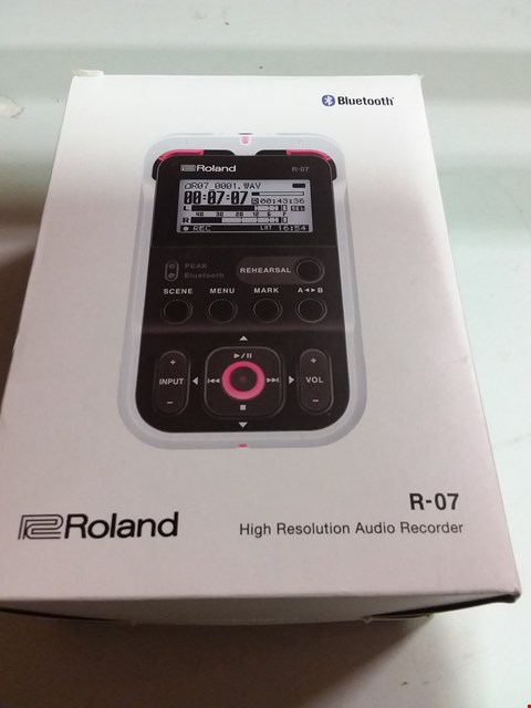 Lot 12058 ROLAND R-07 HIGH RES AUDIO RECORDER