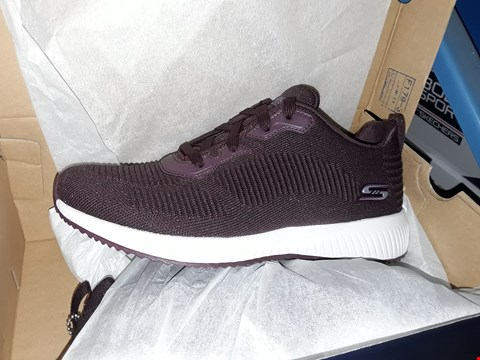 Lot 813 BOB'S SPORT FROM SKETCHERS BURGUNDY TRAINERS UK WOMENS SIZE 8