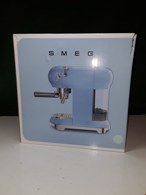 Lot 1321 BOXED SMEG COFFEE MACHINE IN BLUE