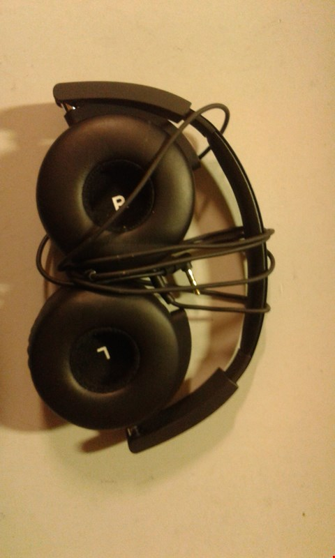 Lot 200 AKG Y50 PORTABLE FOLDABLE ON-EAR HEADPHONES