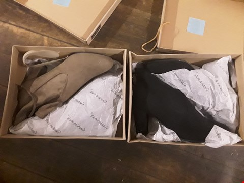 Lot 1294 LOT OF 2 CUSHION WALK SUEDETTE HEELED TIE ANKLE BOOTS SIZES 6 AND 7