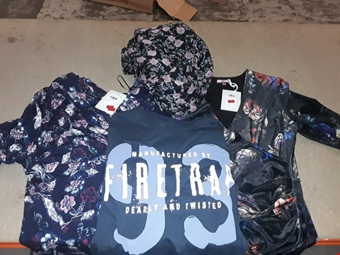 Lot 9353 LOT OF 4 BOXES OF APPROXIMATELY 108 CLOTHING ITEMS TO INCLUDE JB DRESS BLACK FLORAL PRINT, FIRETRAP FT GERARDO T-SHIRT, ECT