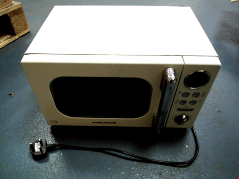 Lot 5045 MORPHY RICHARDS ACCENTS 20L 800W MICROWAVE CREAM