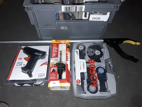 Lot 2608 BOX OF ASSORTED TOOLS TO INCLUDE  GLUE GUN, LITTER PICKERS, DRILL BITS
