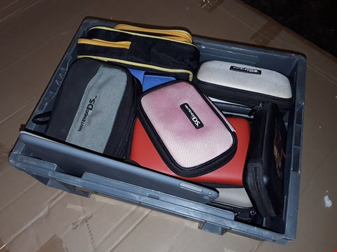 Lot 175 LARGE LOT OF ASSORTED GAMING CASES TO FIT DS, GAME BOY ETC