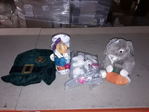 Lot 2522 LOT OF 4 ASSORTED ITEMS TO INCLUDE A RABBIT CUDDLY TOY, A PACK OF POLAR BEAR DECORATIONS, A PACK OF RUBBER ANIMALS AND A LEPRECAUN HAT