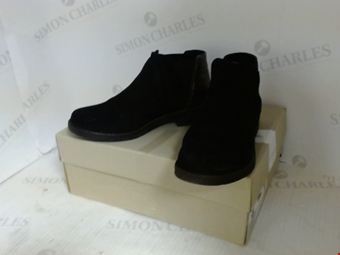 Lot 16094 BOXED PAIR OF DESIGNER CLARKS BOOTS - UK SIZE 3