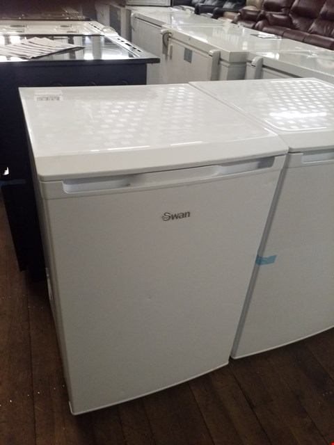 Lot 8569 SWAN SR70180W 55CM WIDE UNDER-COUNTER FREEZER - WHITE RRP £179.99